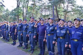 Новообрані курсанти Львівського державного університету безпеки життєдіяльності святкують День Незалежності